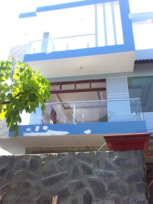 Thi công lắp đặt nhôm kính cho công trình nhà ở, văn phòng số 94 Nguyễn Phúc Chu, P15, Tân Bình)